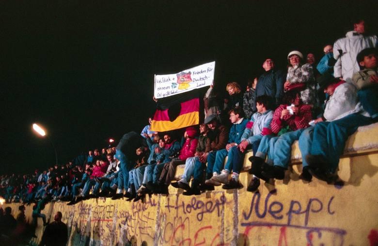 30 lat temu upadł mur w Berlinie. Nic już nie mogło uratować socjalistycznego porządku