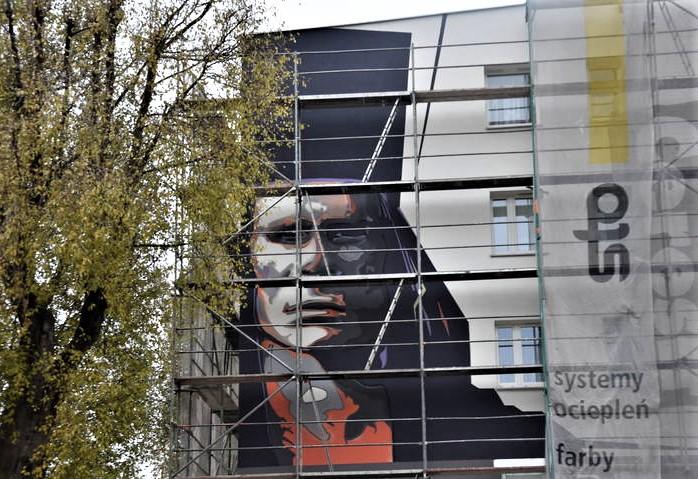 Mural Marka Perepeczki pojawił się na ścianie częstochowskiego bloku