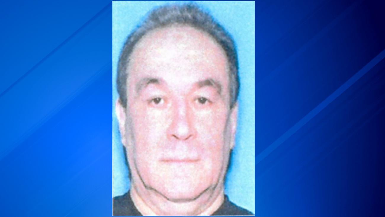Policja poszukuje mężczyzny podejrzanego o zamordowanie małżeństwa z Buffalo Grove