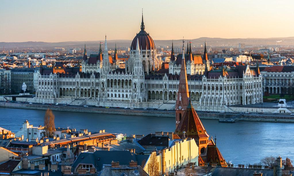 Szef kancelarii premiera Węgier: Osiągnięcie neutralności energetycznej do roku 2050 roku kosztowałoby Węgry około 150 miliardów euro