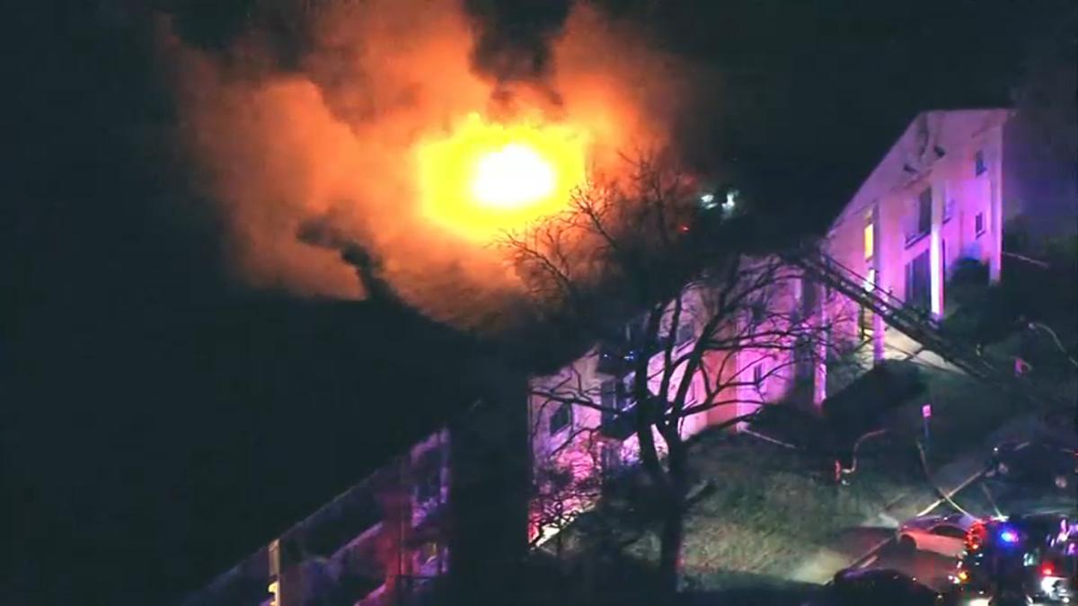 Pożar w Skokie. Bez dachu nad głową pozostało prawie 30 rodzin