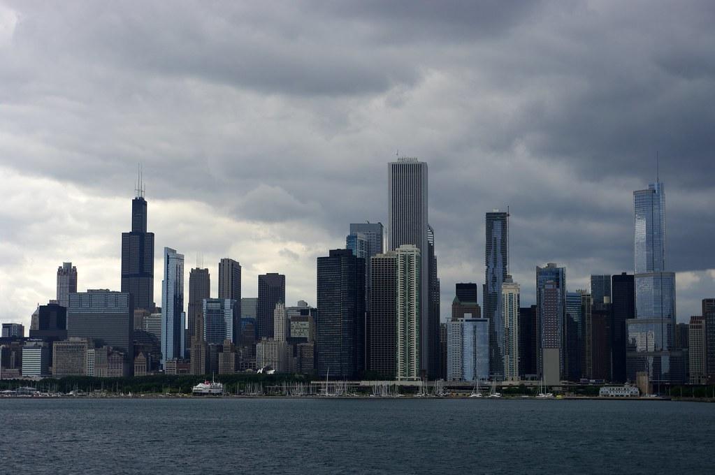 Pochmurne Chicago. Mieszkańcy od tygodnia nie widzieli słońca