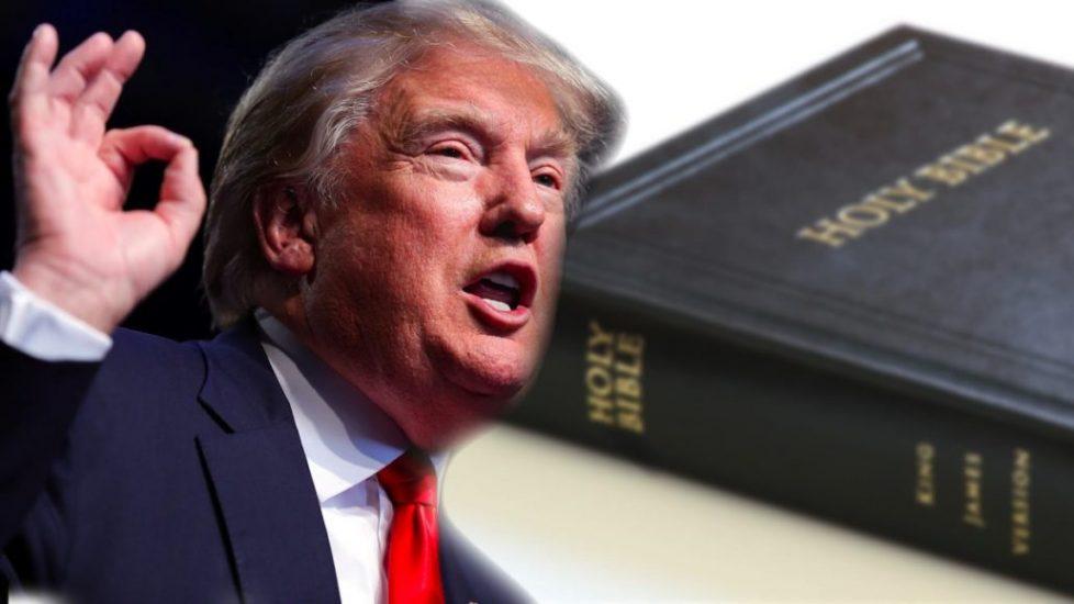 Donald Trump chroni modlitwę w szkołach i zapowiada finansowanie kościoła z funduszy federalnych