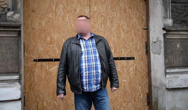 Czyściciel kamienic z Poznania walczy o uniknięcie odsiadki. Mimo kary więzienia wciąż jest na wolności. Trwa kolejny proces Piotra Ś.