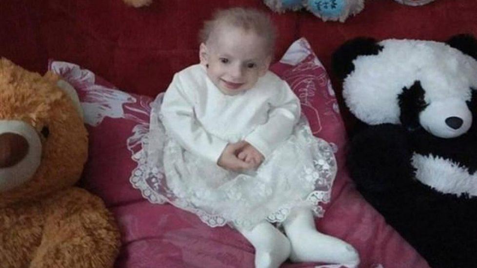 Anna Sakidon nie żyje. 8-letnia dziewczynka zmarła ze starości