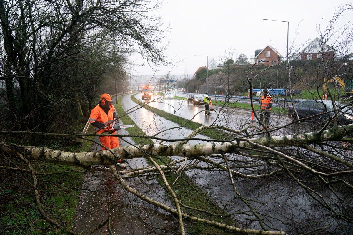 """Niemcy: Orkan """"Ciara spowodował liczne straty materialne. Wiele osób zostało rannych, w tym kilka ciężko"""