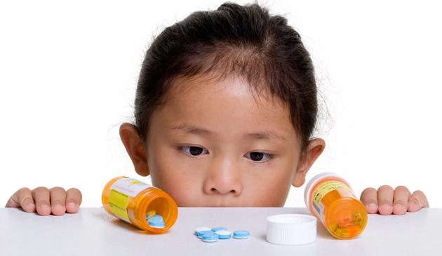 USA: Blisko 50 tysięcy dzieci trafia co roku do szpitali z powodu zatrucia lekarstwami