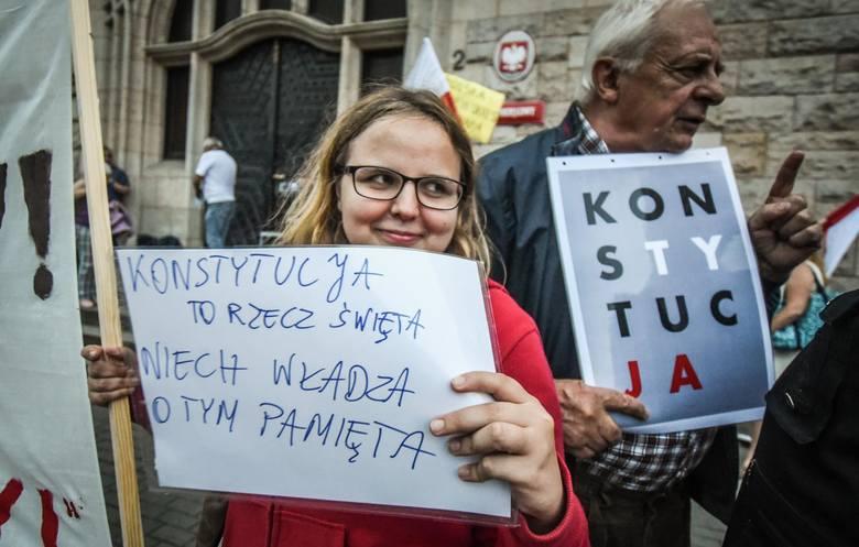 """Sędziowie będą stosować bezpośrednio Konstytucję RP a nie ustawę """"kagańcową"""""""